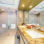 Mamparas de ducha en aluminio y PVC
